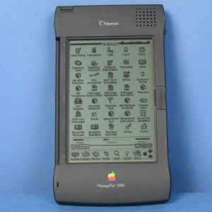 40b54ec951c9ef53bd0104b589cfe439--apple-newton-ui-design