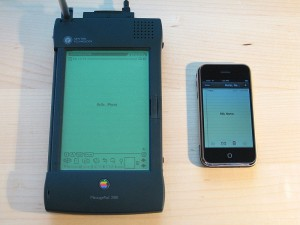 800px-Apple_Newton_and_iPhone1
