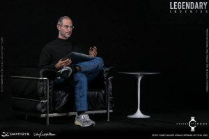 DAMTOYS-Steve-Jobs-Figure-003