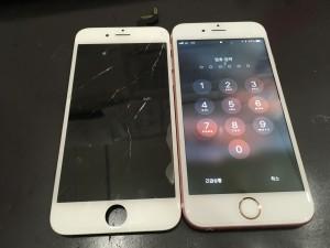 アイフォン6sと修理交換後のパネル
