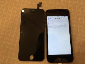 液晶不良のパネルとiPhone5s
