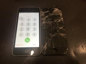 iphoneSE ガラス液晶修理