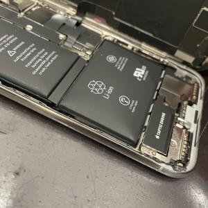 iPhoneX バッテリー膨張 京都駅前iPhone修理店 即日修理 データそのまま