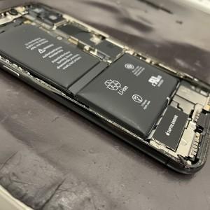 バッテリー膨張 電池パック膨張 アイフォーン修理
